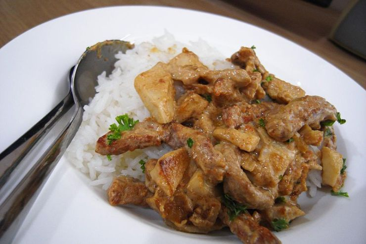 Beef stroganoff is suddenly the epicenter of a debate over gender, science and journalism. Photo/WikiMedia Commons.